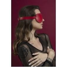 Маска кожаная закрытая с заклепками Feral Feelings - Blindfold Mask Красная